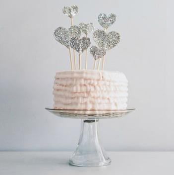 DIY-Glitter-Heart-Cake-Topper1